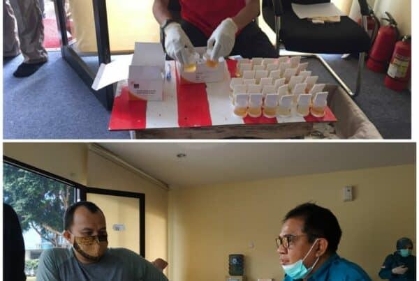 Pemeriksaan Narkotika Melalui Tes Urine bagi Satpam PT. Kopojeka Daya Indonesia yang berdinas di Kantor Otoritas Jasa Keuangan Jakarta.